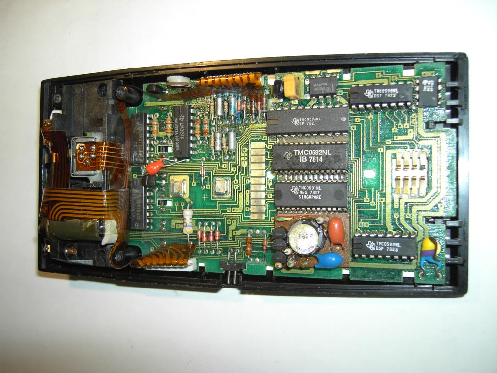 The Ti 59 Programmable Pocket Calculator Circuit Board Showing Integrated Just Note Blue Discoloration Due To Debris From Deteriorated Battery Pack These Residues Can Be Conductive And Cause All Kind Of Trouble