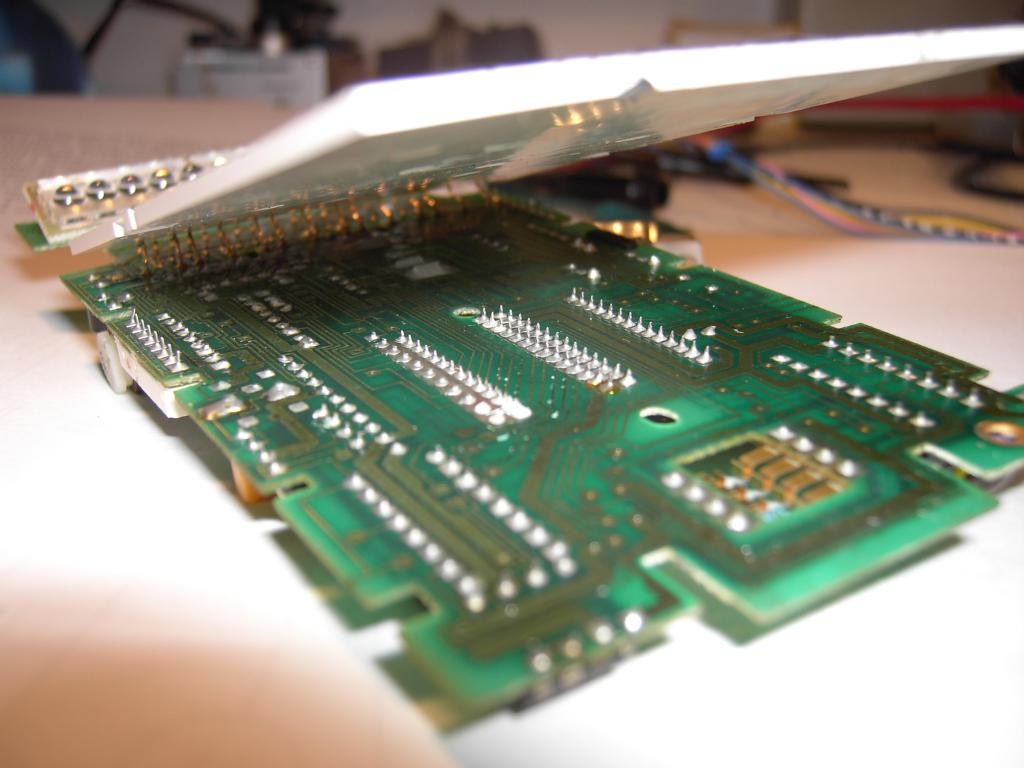 The Ti 59 Programmable Pocket Calculator Circuit Board Showing Integrated Just To Insert A Thin Sheet Of Slightly Conductive Rubber Foam Between Printed And Keyboard This Is Delicate Procedure But Worked